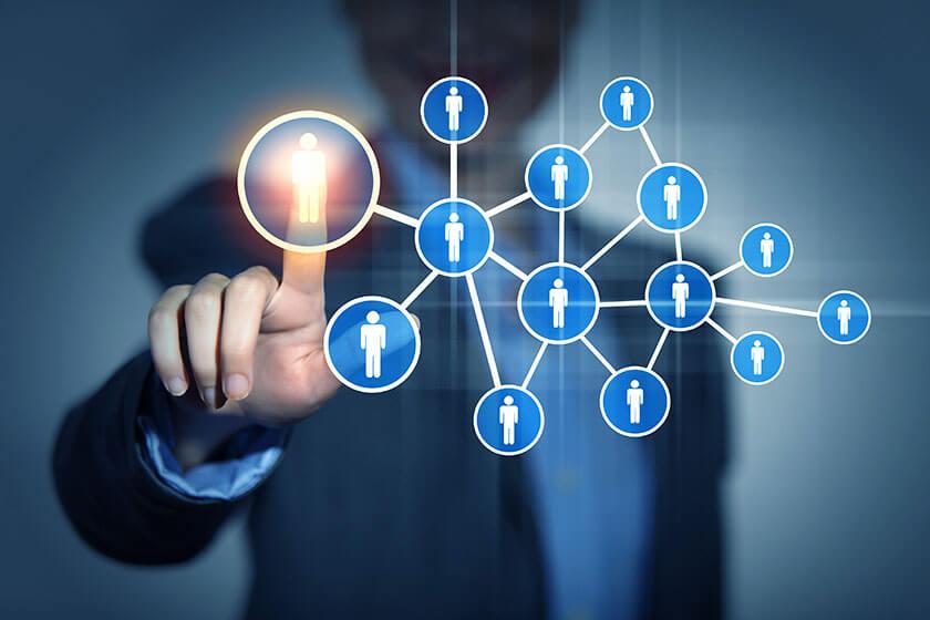social media giúp tiếp cận khách hàng